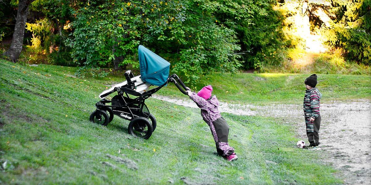 Lastenvaunujen ja rattaiden huolto on tärkeä muistaa tehdä vähintään kerran kuukaudessa