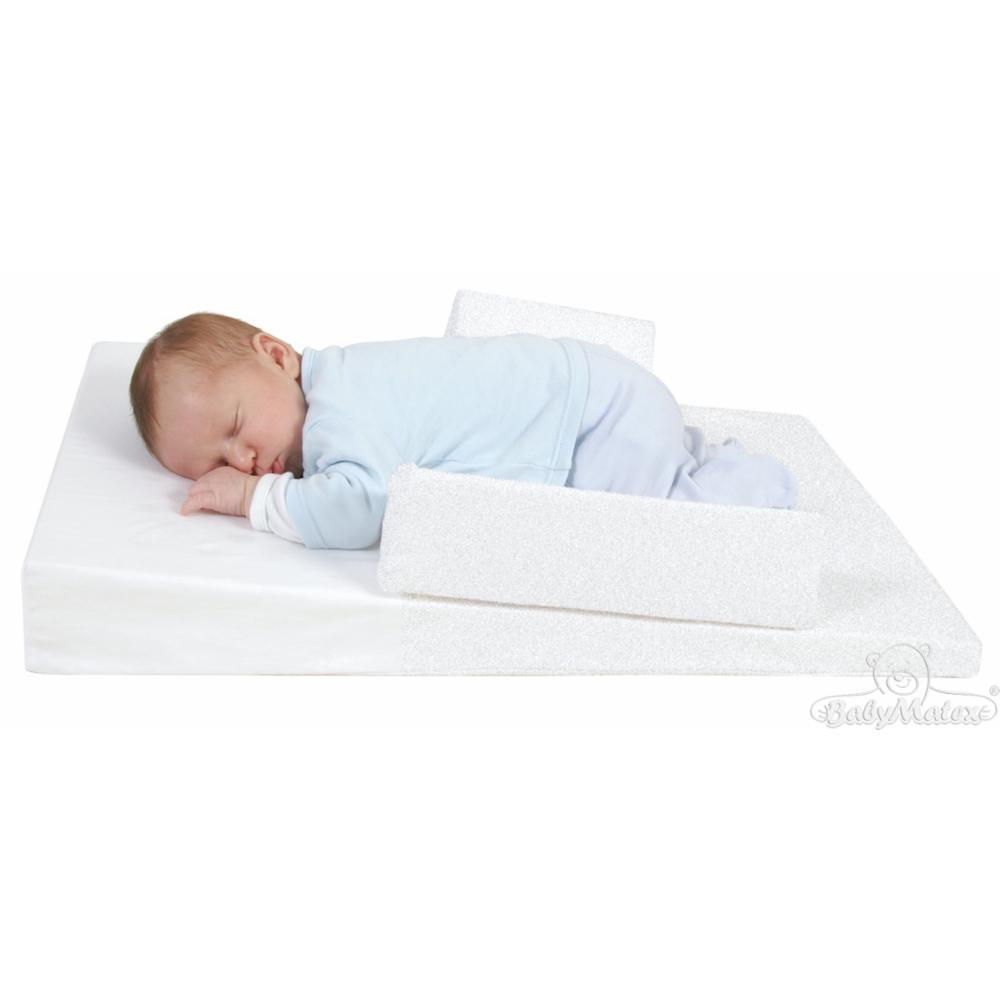 BabyMatex vauvan kiilapatja sivutuilla & lämminvesipullolla